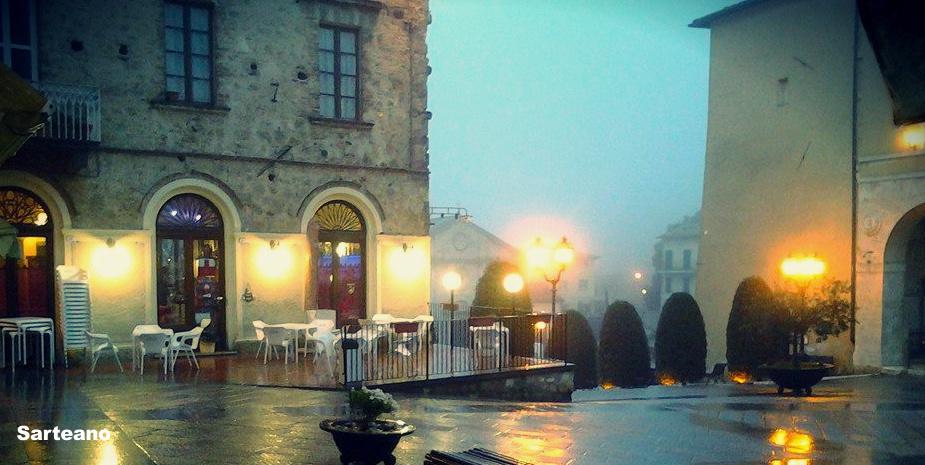 la piazza di Sarteano